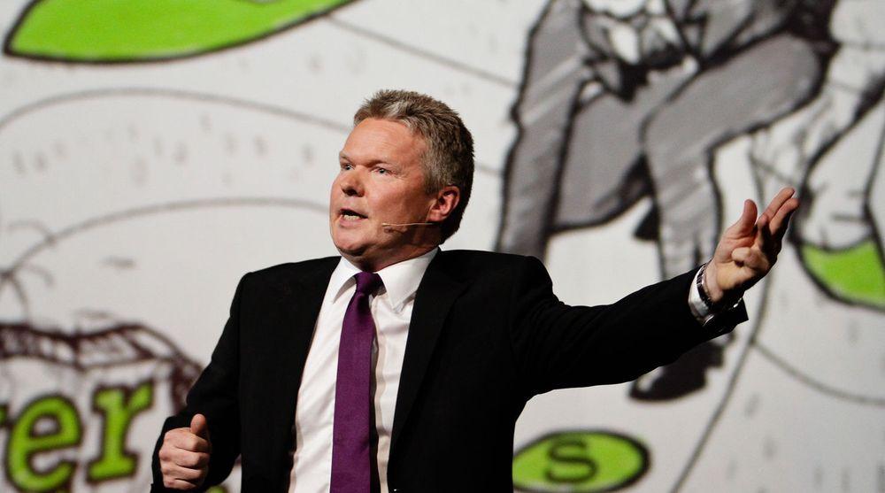 Evrys konsernsjef Terje Mjøs, har den siste uken signert avtaler med bank- og finanskunder på tilsammen 900 millioner kroner.