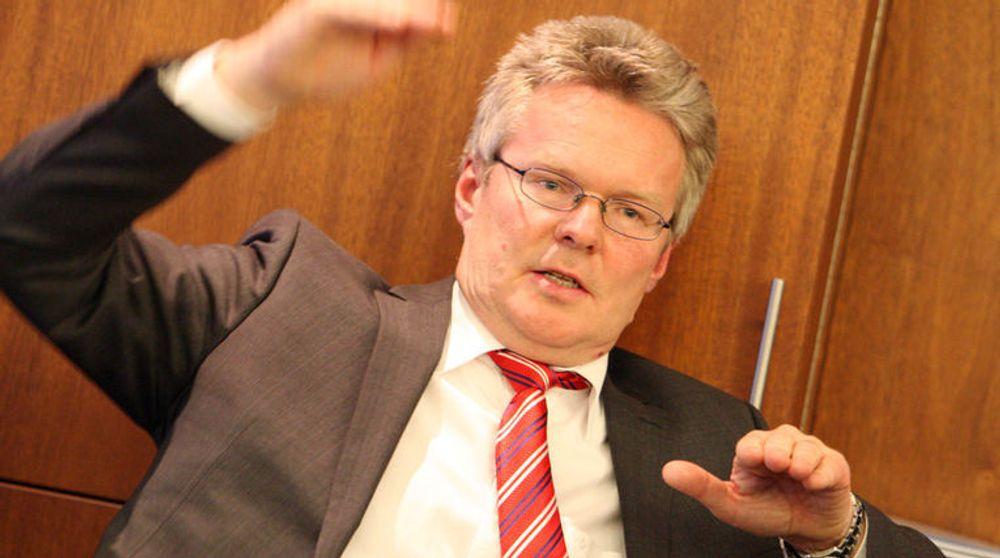EDB Ergogroups konsernsjef Terje Mjøs kvitter seg nå med 80 ansatte, som et siste ledd i den pågående fusjonsprosessen.