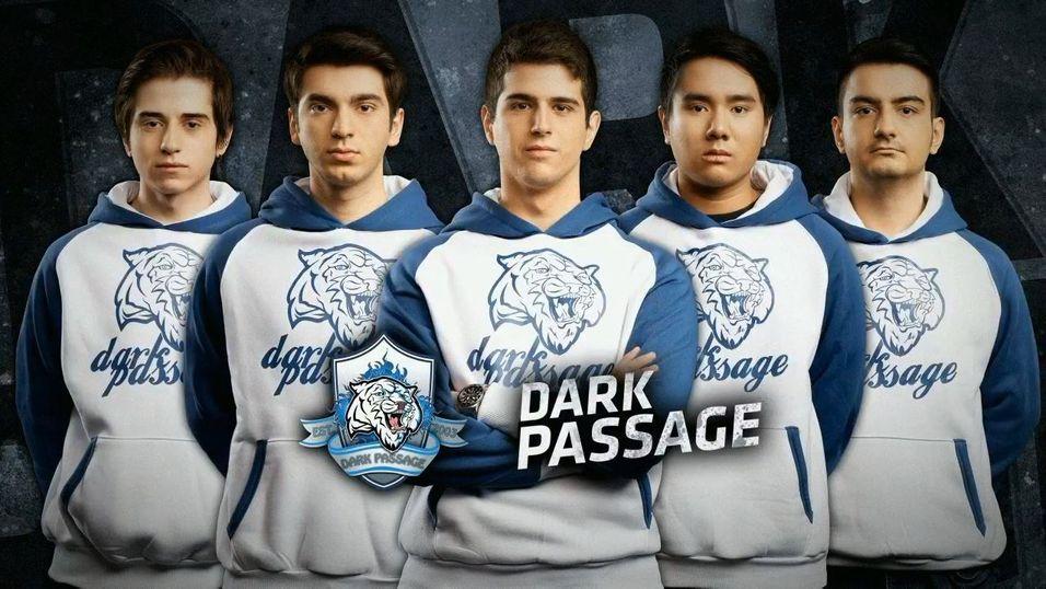 Dennis «Denden» Bui (nummer to fra høyre) er ute av Dark Passage.