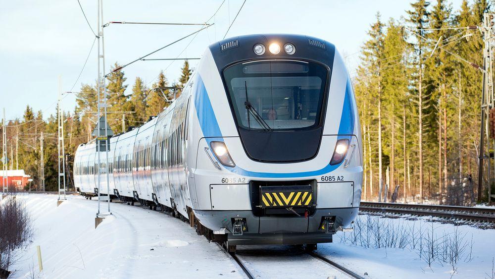 Nytt signalsystem: Det svenske togsettet prøver ut ERTMS nivå 2. Snart skal Jernbaneverket ut med anbud for å dekke alle norske jernbanestrekninger med den nye signalstandarden.