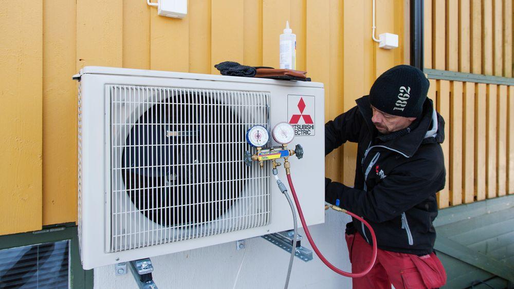 Etter flere år med nedgang i salget, ble det i fjor solgt flere varmepumper enn året før.