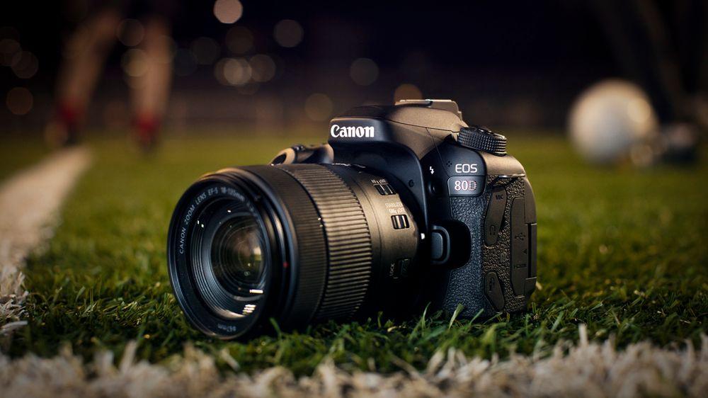 Lurer på om Canon forsøker å si noe om forbedret autofokus her?