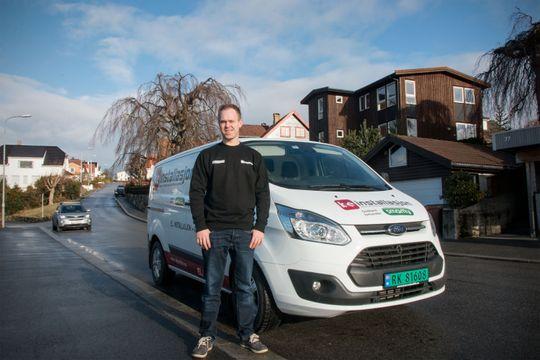 Stig Egge jobber som elektromontør for KE Installasjon i Stavanger, og har gjort mange hus smarte de siste årene.