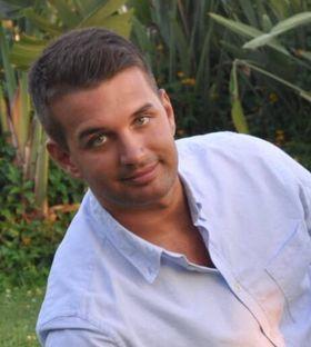 Dino Huskanovic er pressekontakt i Riddle Elektroniske Sportsklubb.