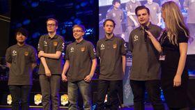 Lions vant Telenorligaen høsten 2015. Fra det laget er det kun Sander «Zhandia» Skogstad (midten) og Adrian «Dipzey» Kjellesvik (til høyre) som har spilt denne vårsesongen.