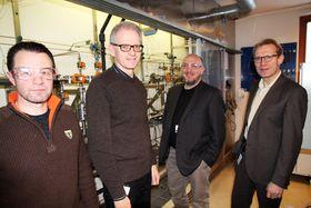 Krisedyktige: - Vi får betalt for å være langsiktige i vår forskning, sier avdelingssjefene Are Haugan(fra venstre), Rolf Nyborg, Kristian Sveen og forskningsdirektør Tore Gimse.