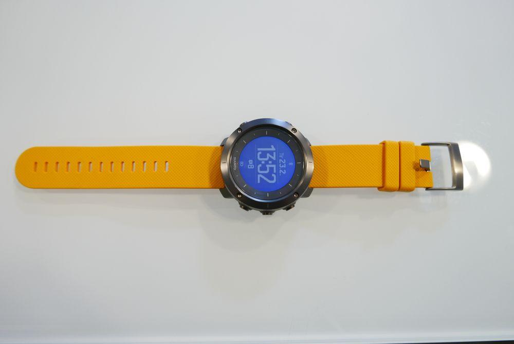 Remmen på klokken er solid og god å ha på seg.