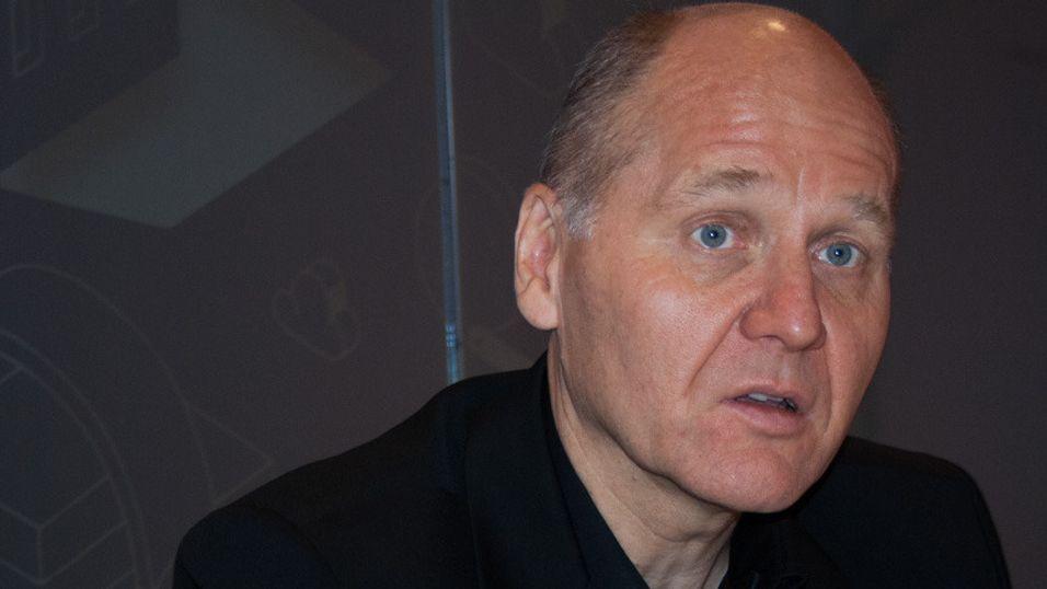 Konsernsjef Sigve Brekke i Telenor skal levere en årlig omsetningsvekst på 4-6 prosent, og drømmer om å lansere mobiltjenester i land hvor Telenor i dag er til stede helt uten mobilvirksomhet.