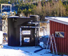 Reaktoren testes ut med grisemøkk som føde. Den er levert av selskapet Waterment AS i Porsgrunn.