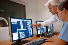 MR er et svært viktig instrument for å se bløtvevet i kroppen.