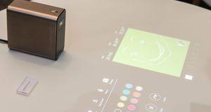 Sony Xperia Projector Projiserer planene dine på bordet, og lar deg redigere dem