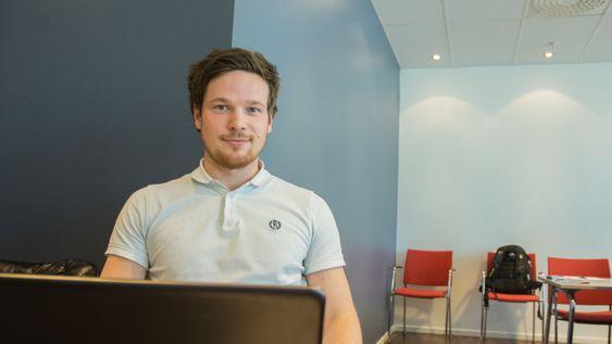 Tor Olav Aakre opplever det å være nyutdannet ingeniør og arbeidsledig som tungt. – Du får stadig nye slag i trynet, sier han.