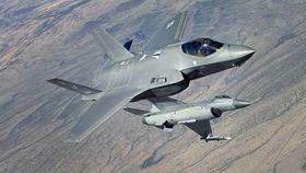 F-35 og F-16