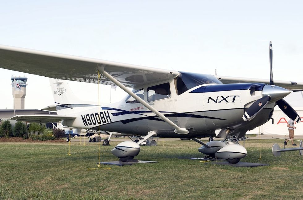 Cessna Turbo 182 NXT på Oshkosh.