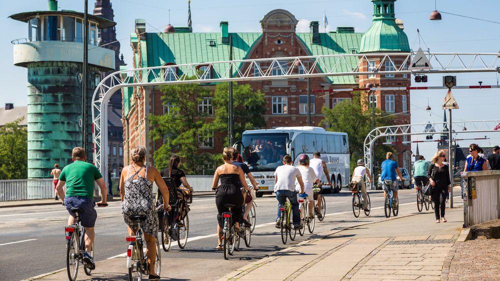 København er en av verdens mest sykkelvennlige byer. Nå skal også trafikklysene hjelpe syklister - og busser - frem.