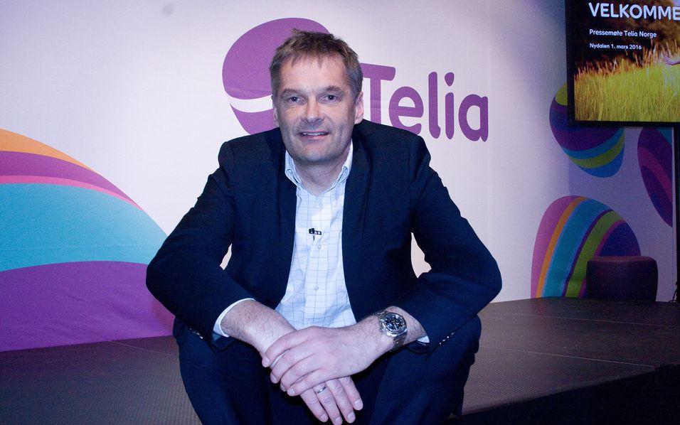 Telias-sjef Abraham Foss gir nå kunder av merkevaren Telia fri tilgang til selskapets mobilnett i Norden og Baltikum.