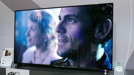 DX900 er Panasonics nye flaggskip blant LCD-modellene.