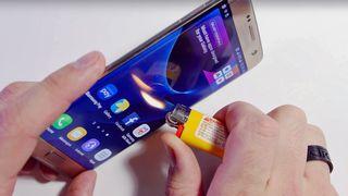 Her kan du se hvor mye Galaxy S7 Edge tåler