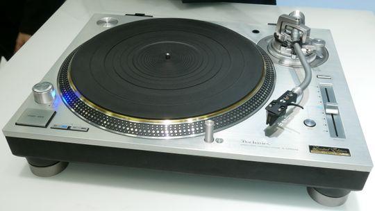 Technics SL-1200GAE.