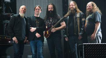 Dream Theater prøver seg på spill
