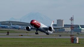EI-LNI forlater Paine Field med kurs mot Oslo.