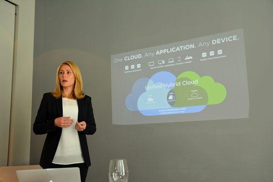 Unified Hybrid Cloud er det nye stikkordet hos VMware, ifølge Kristine Dahl Steidel.