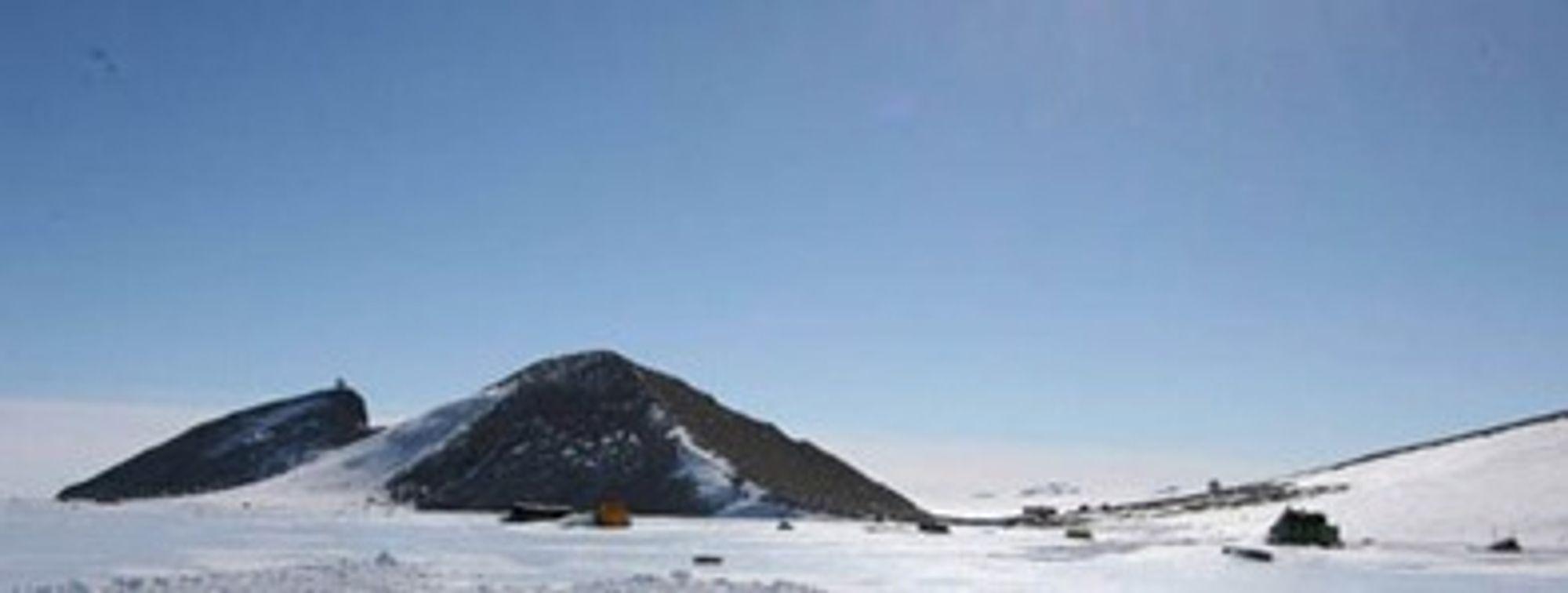 KSAT betjener Galileo fra TrollSat-stasjonen i Antarktis. (Foto: KSAT)