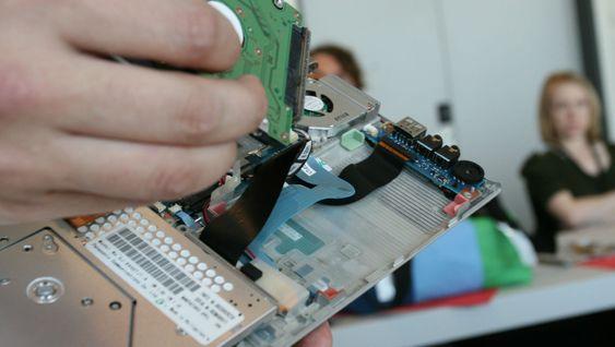 Egne lag med gummi gir ekstra beskyttelse til interne komponenter i Toshibas bærbare pc-er.