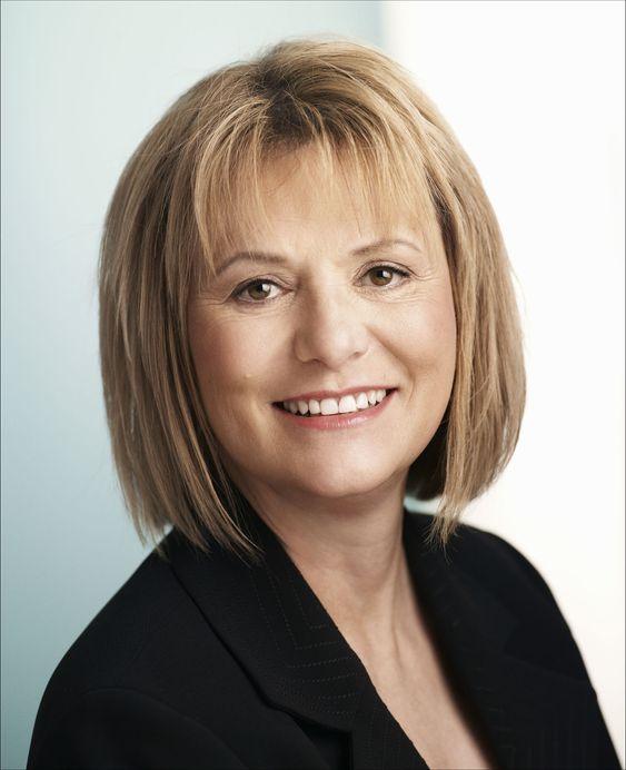 Carol Bartz får ikke opp omsetningen i Yahoo, og må nedbemanne for andre gang siden hun tok over som toppsjef i januar 2009.