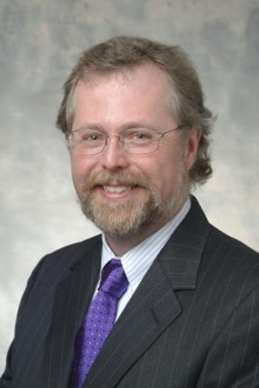Gjennom selskapet Intellectual Ventures kontrollerer Microsofts tidligere teknologiguru Nathan Myhrvold 30.000 patenter.