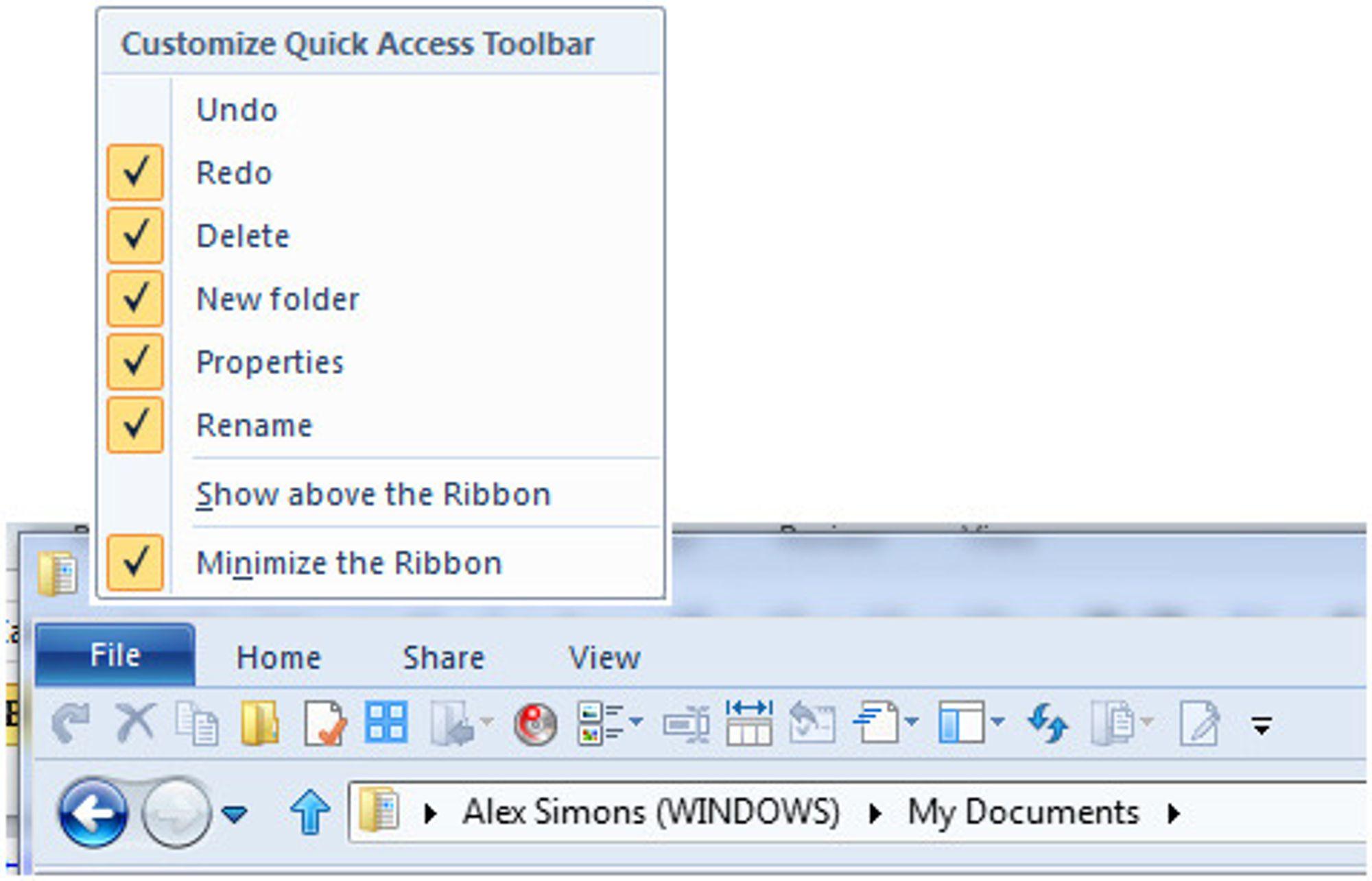 Quick Access Toolbar i Windows 8 Explorer, med konfigureringsmeny og minimalisert ribbon.