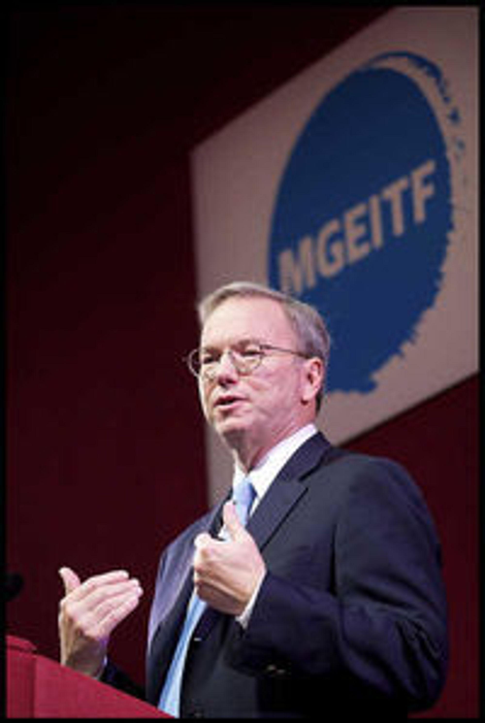 Styreformann i Google, Eric Schmidt, talte til deltakerne under MGEITF 2011.