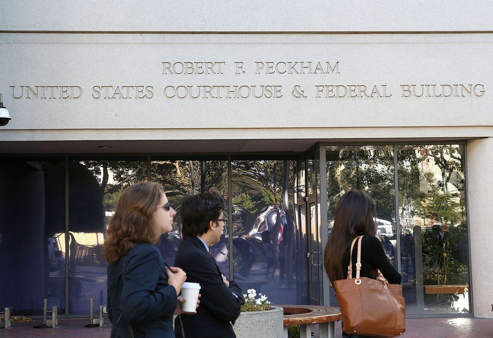 Apple og Samsung er ikke ferdige med å krangle i retten. Bildet er fra rettsakens tidlige fase.