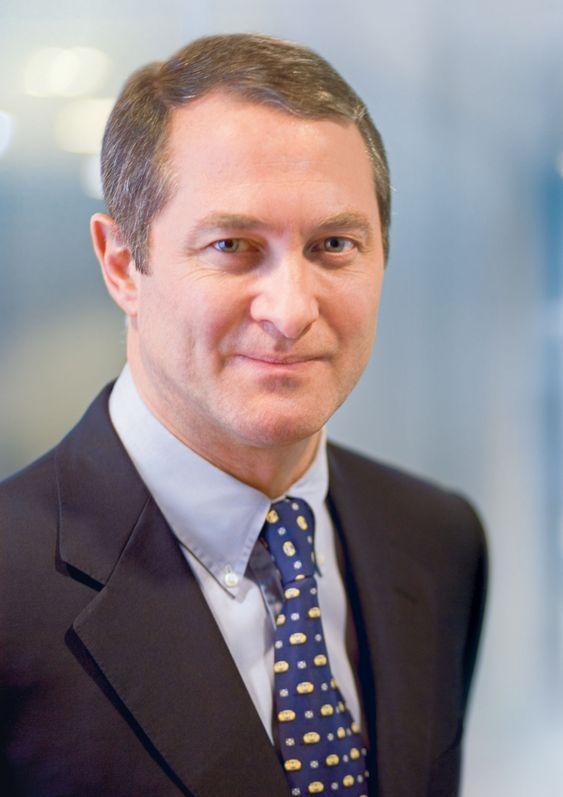 Toppsjef i ASML, Eric Meurice, har funnet en ny måte å finansieree selskapets utviklingsarbeid, ved å gjøre de største kundene til medeiere.