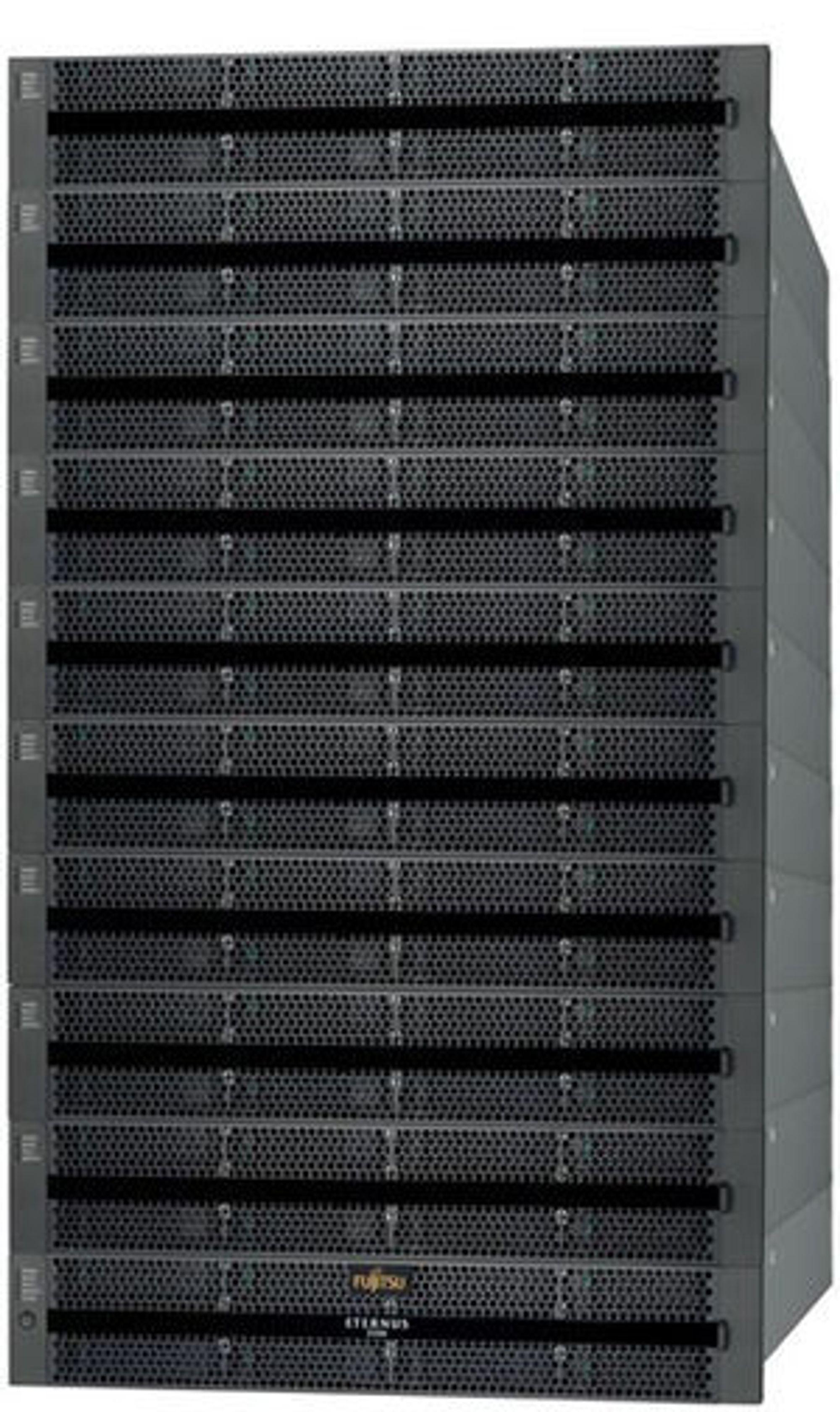 Makasimalt utbygget tilbyr Eternus DX80 120 terabyte.