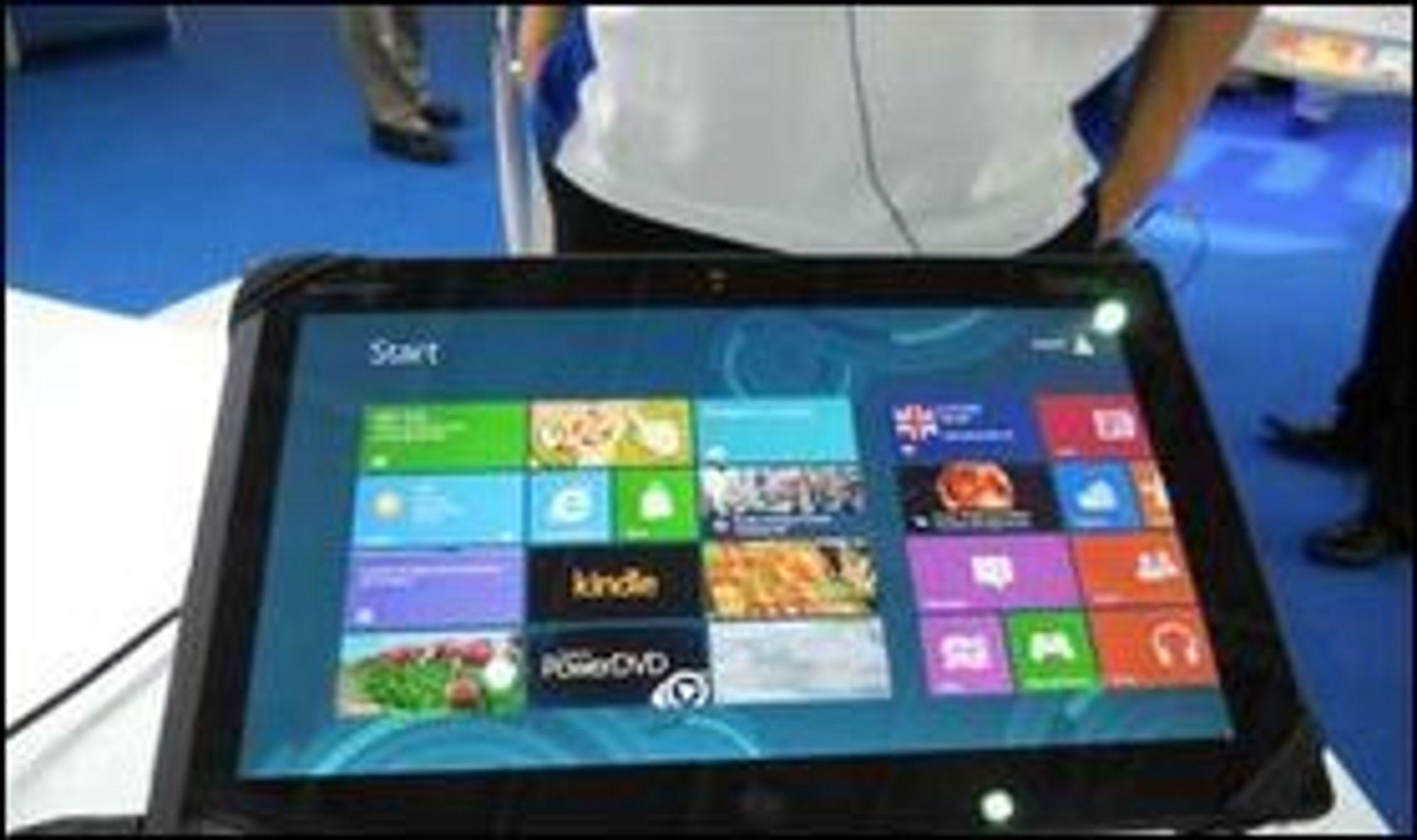 Windows 8 er særlig tilpasset nettbrett, og det blir lansert en rekke nye enheter som støtter Microsofts nye operativsystem. På bildet er et nettbrett fra Lenovo.