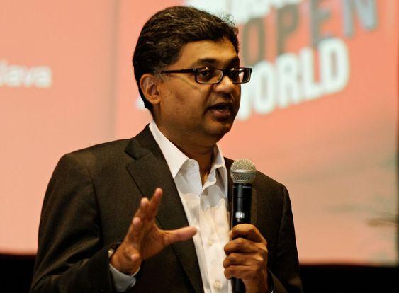 Hasan Rizvi hadde regien på presentasjonen av Oracles Java-strategi.