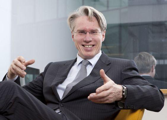 Administrerende direktør Arne Mjøs smiler igjen.