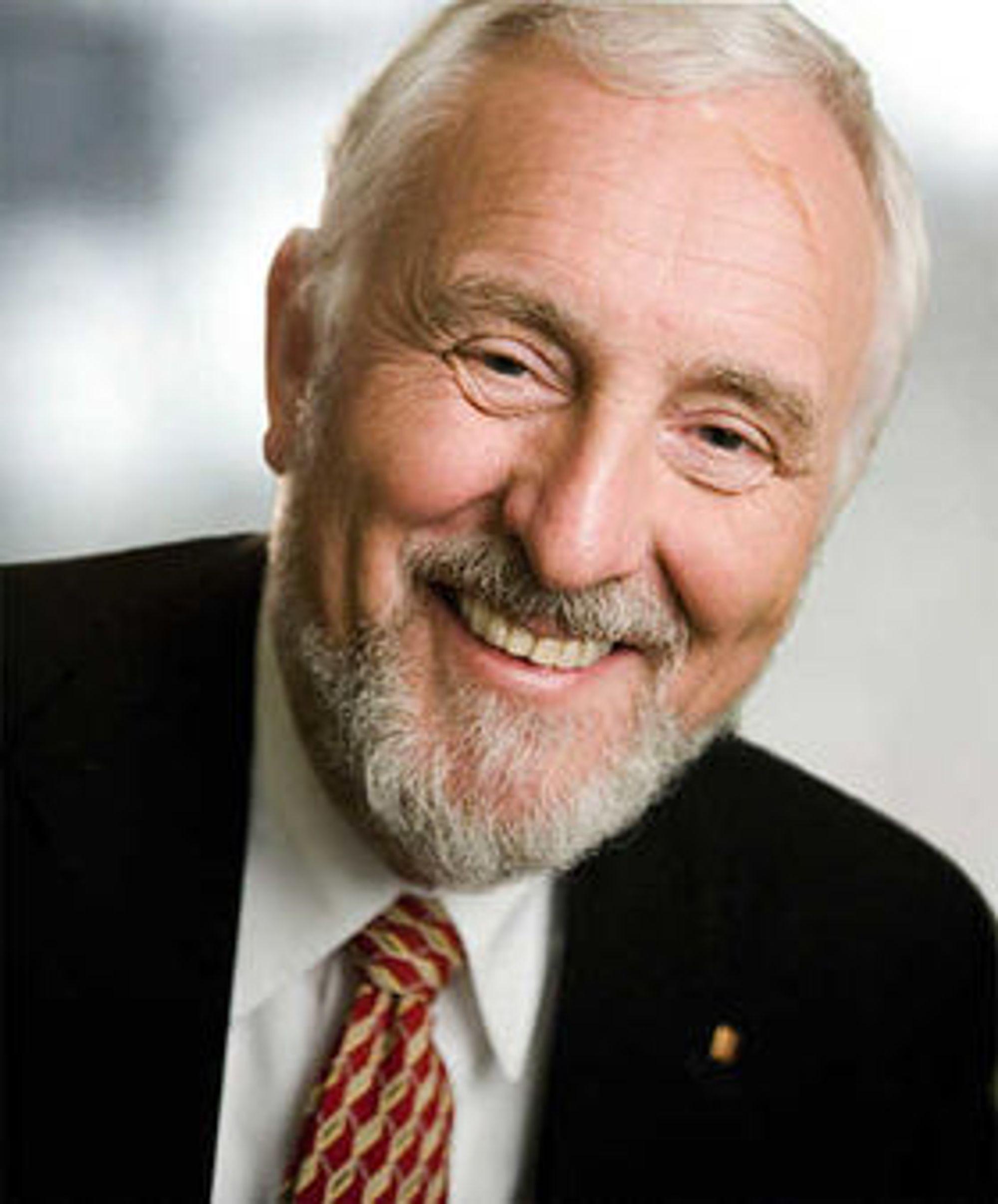 Jan Erik Korssjøen, tidligere konsernsjef i Kongsberg Gruppen, trekker seg som leder for bedriftsforsamlingen i Telenor.