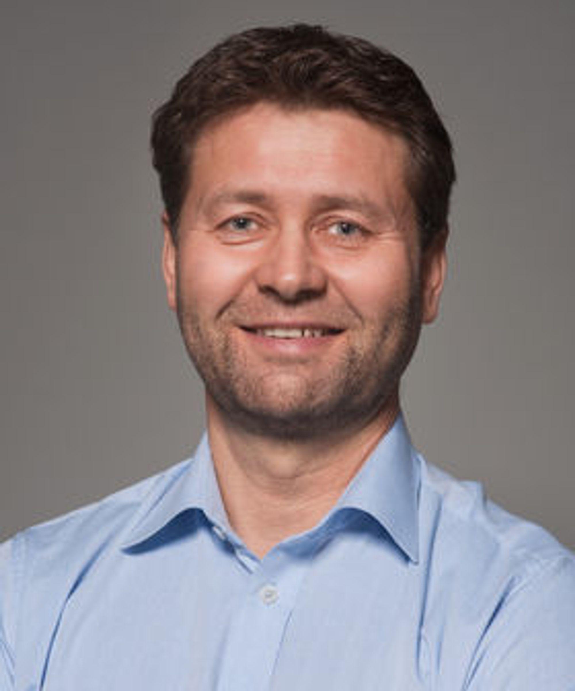 Steinar Cook er seriegründer, og er i dag daglig leder i SendRegning.no.