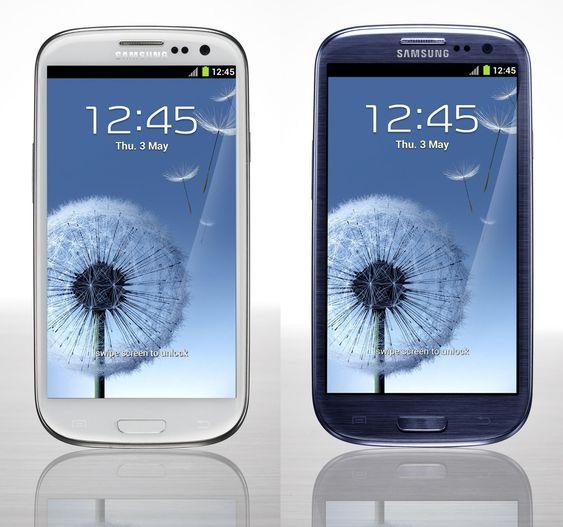 Galaxy S III kommer i to ulike farger.