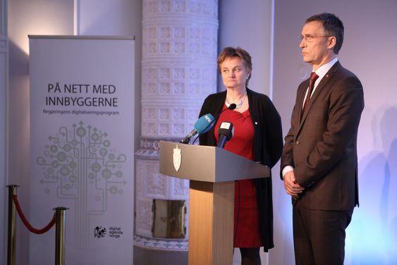 Statsminister Jens Stoltenberg og IT-statsråd Rigmor Aasrud presenterte planene på en pressekonferanse i regjeringens representasjonsanlegg onsdag.