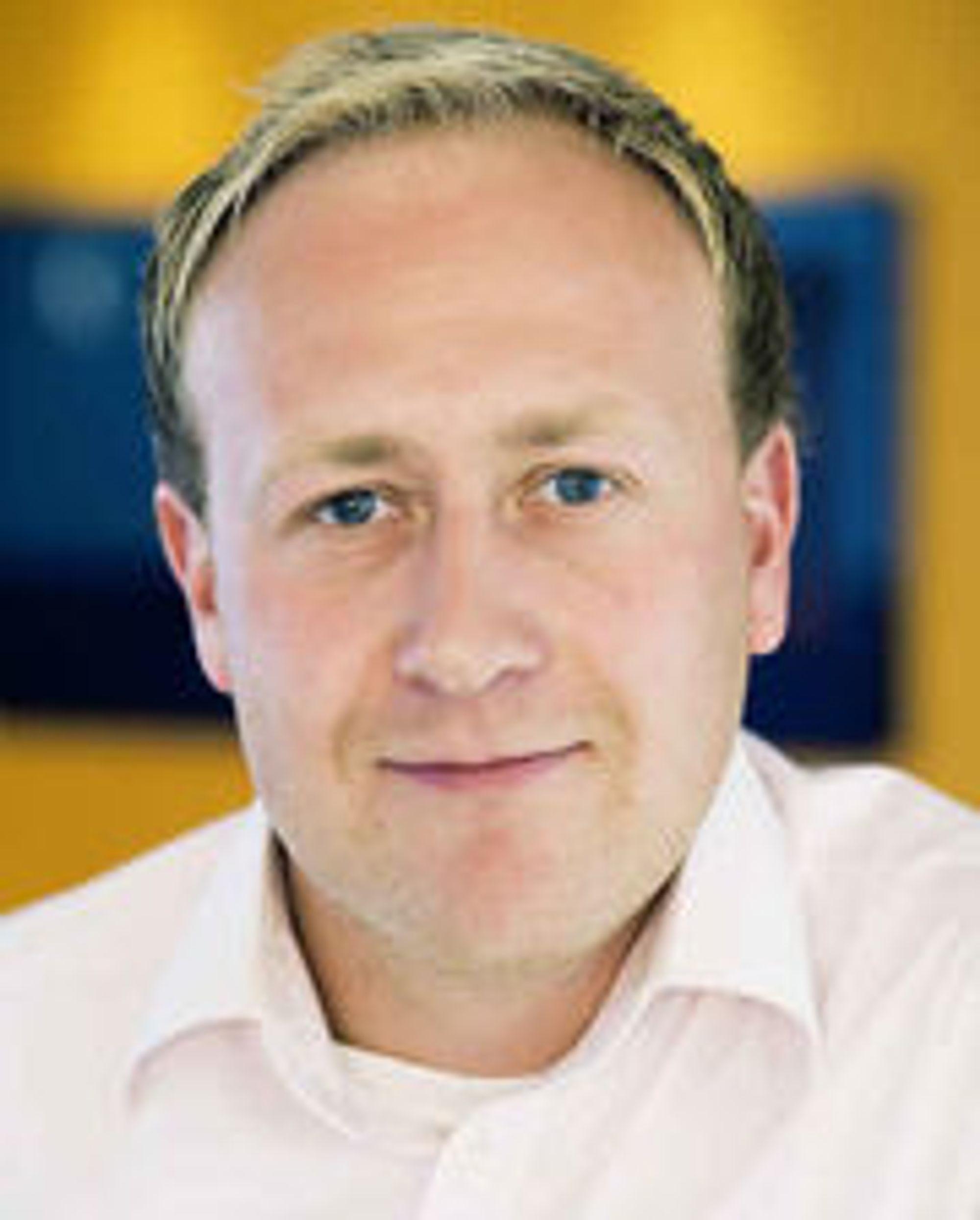 - Kundene skal ikke være redde for å bruke mobilen i utlandet, mener Øyvind Vederhus i Netcom.
