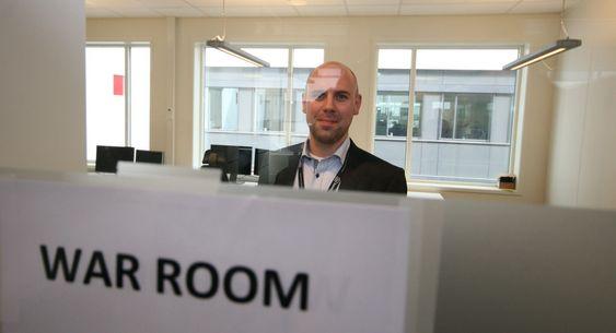 Kriseleder Thomas Klokkerhaug i Basefarm sitt «krigsrom». Rundt 20 personer jobbet i skift der for å håndtere Altinn sin aller travleste dag.
