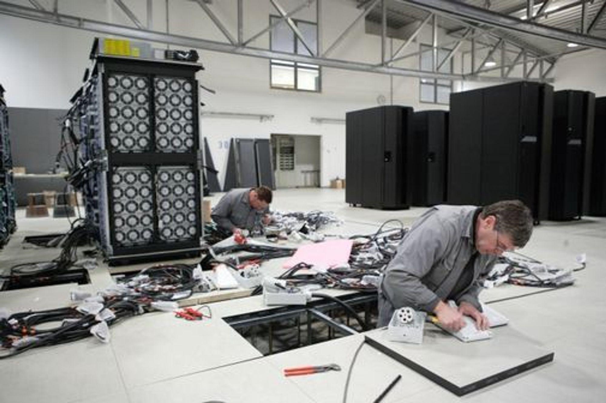 Fra byggingen av Jugene-systemet i 2007. Jugene er en mindre variant av systemet som nå skal bygges ved Forschungszentrum Jülich.