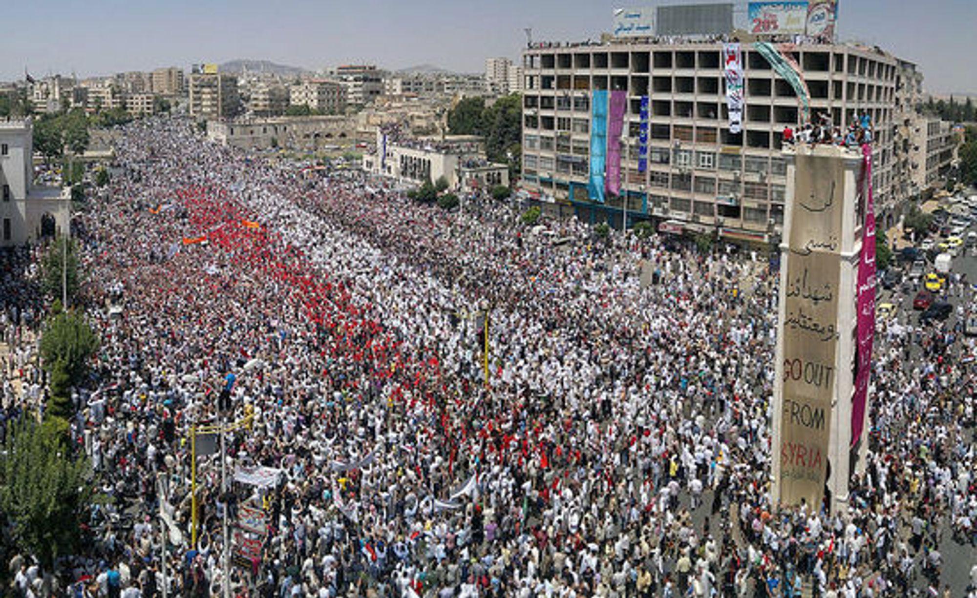 22. juli demonstrerte 700 000 i Al-Assy-plassen i Hama, mot Assad-regimet.