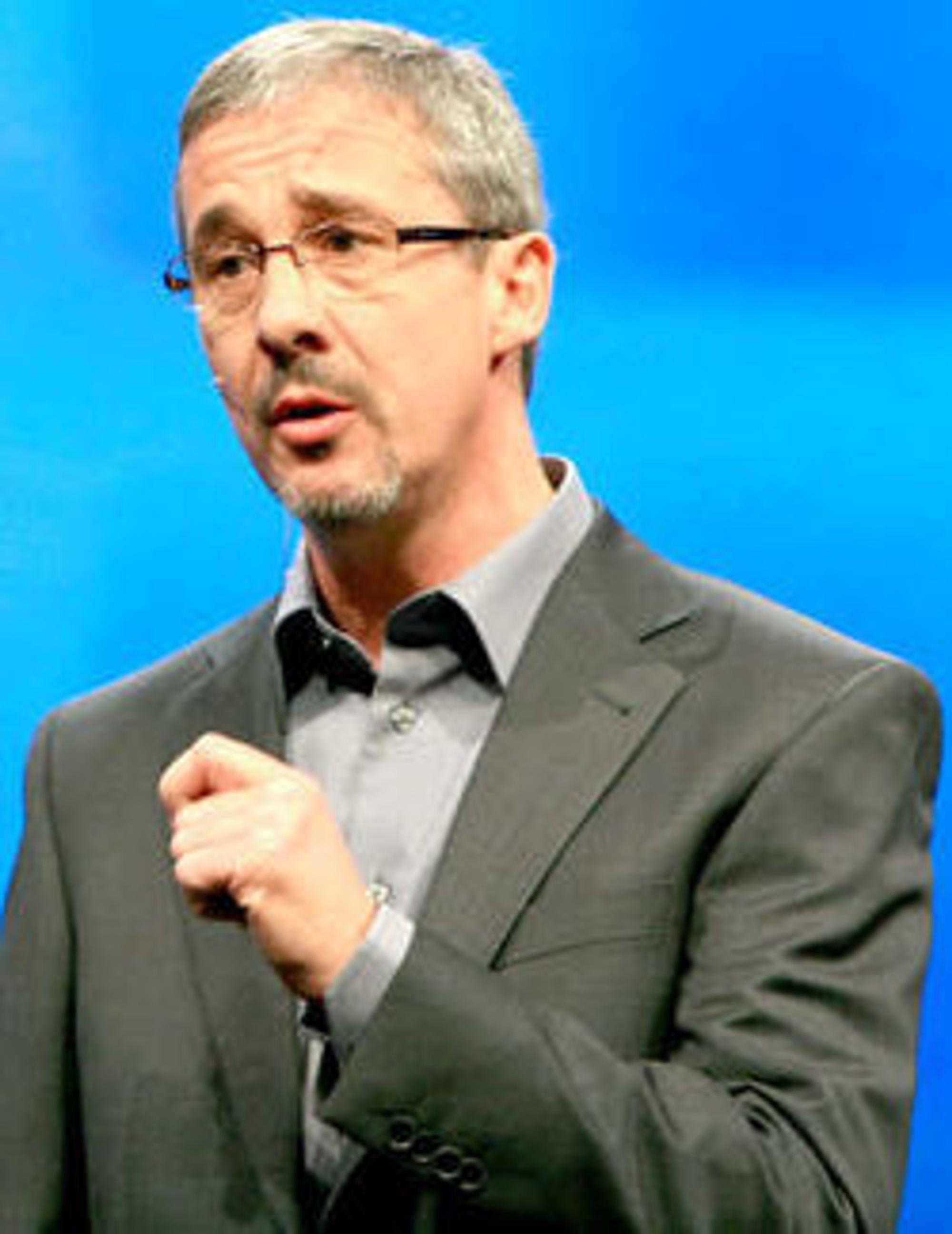 Gartner-analytiker Brian Gammage mener bedrifter må legge opp sine planer for Windows 7 med utgangspunkt i hvordan de skal legge opp til den virkelige framtidsrettede løsningen, «sammensatte arbeidsflater» eller «composite work spaces», som vil erstatte ideen om én pc til hver ansatt.