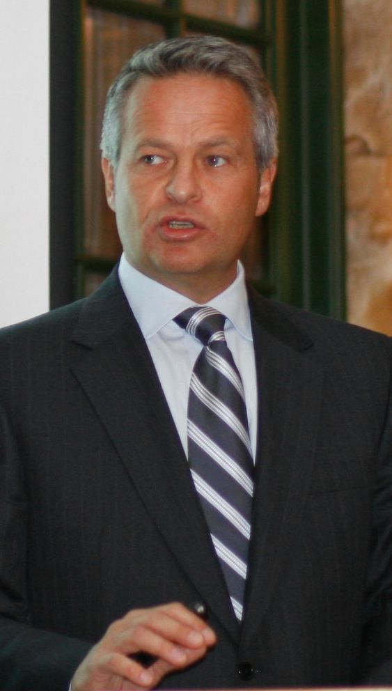 Konsernsjef Endre Rangnes har gjennomført flere omstruktureringstiltak, blant en omstridt nedbemanning.