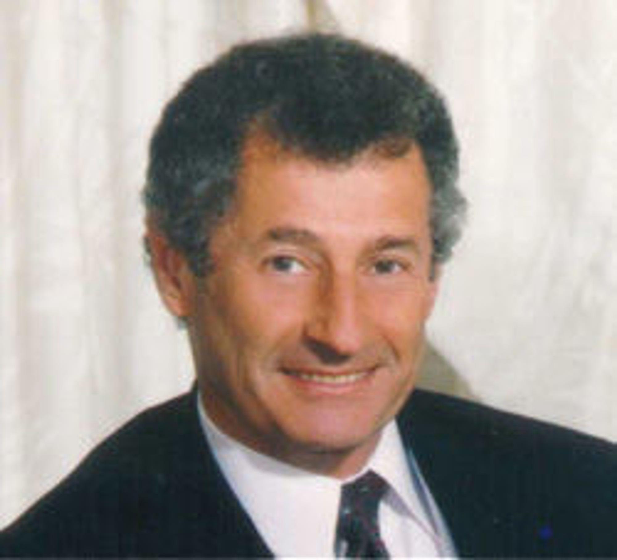 Leonard Kleinrock utviklet den matematiske teorien for pakkesvitsjede nett som MIT-student tidlig på 1960-tallet. 29. oktober 1969 fungerte pakkesvitsjing mellom datamaskiner for første gang.