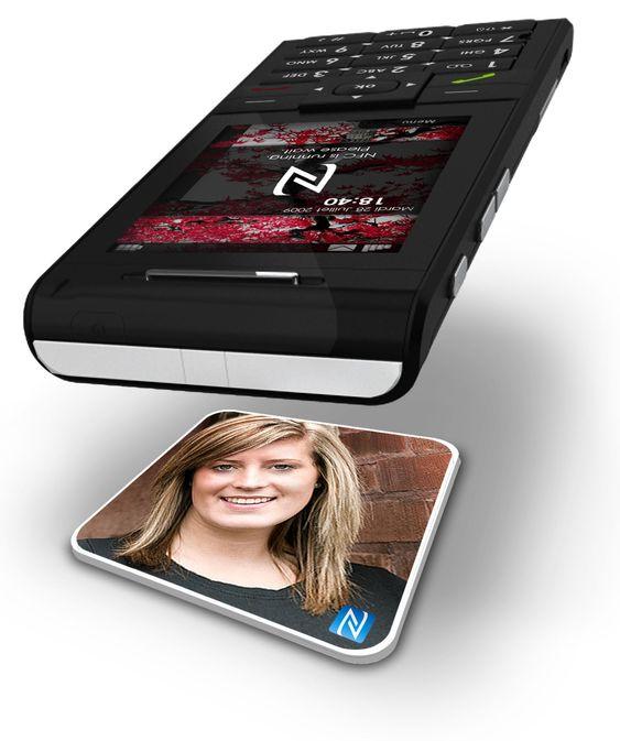 Med et NFC-kort kan man ringe sine nærmeste uten å måtte lete dem opp gjennom telefonens menyer og kontaktliste.